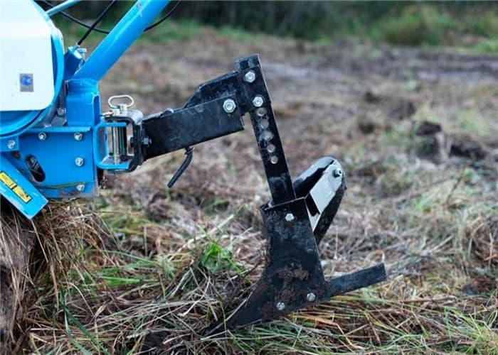 Плуг для мотоблока - как сельскохозяйственное орудие для фермера